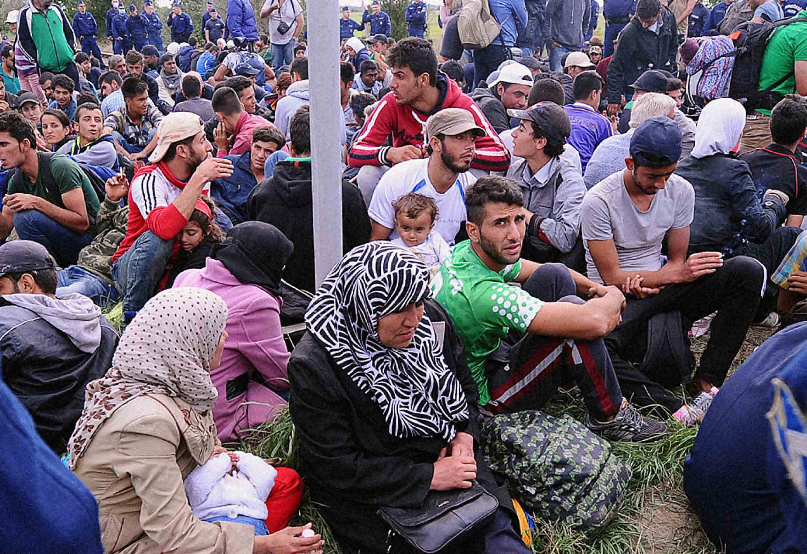 refugees-flooding-into-europe low